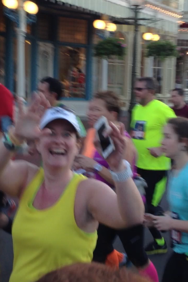 2014 runDisney walt disney world marathon amanda tinney magic kingdom