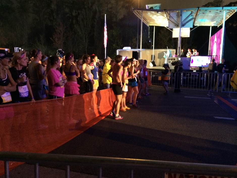 2014 rundisney glass slipper challenge disney princess half marathon elites starting line