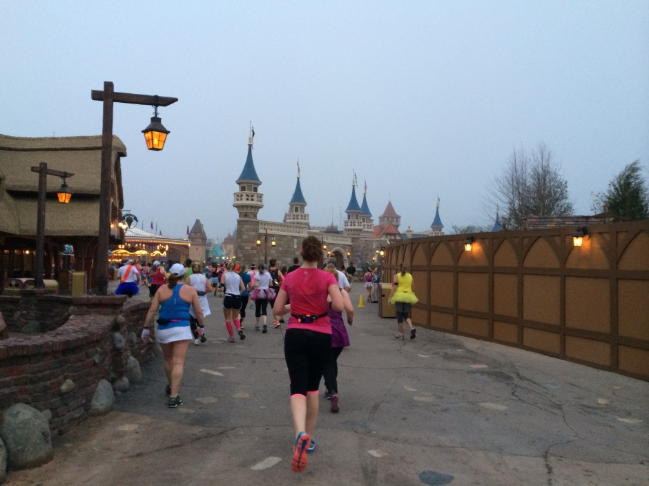 2014 rundisney glass slipper challenge disney princess half marathon magic kingdom
