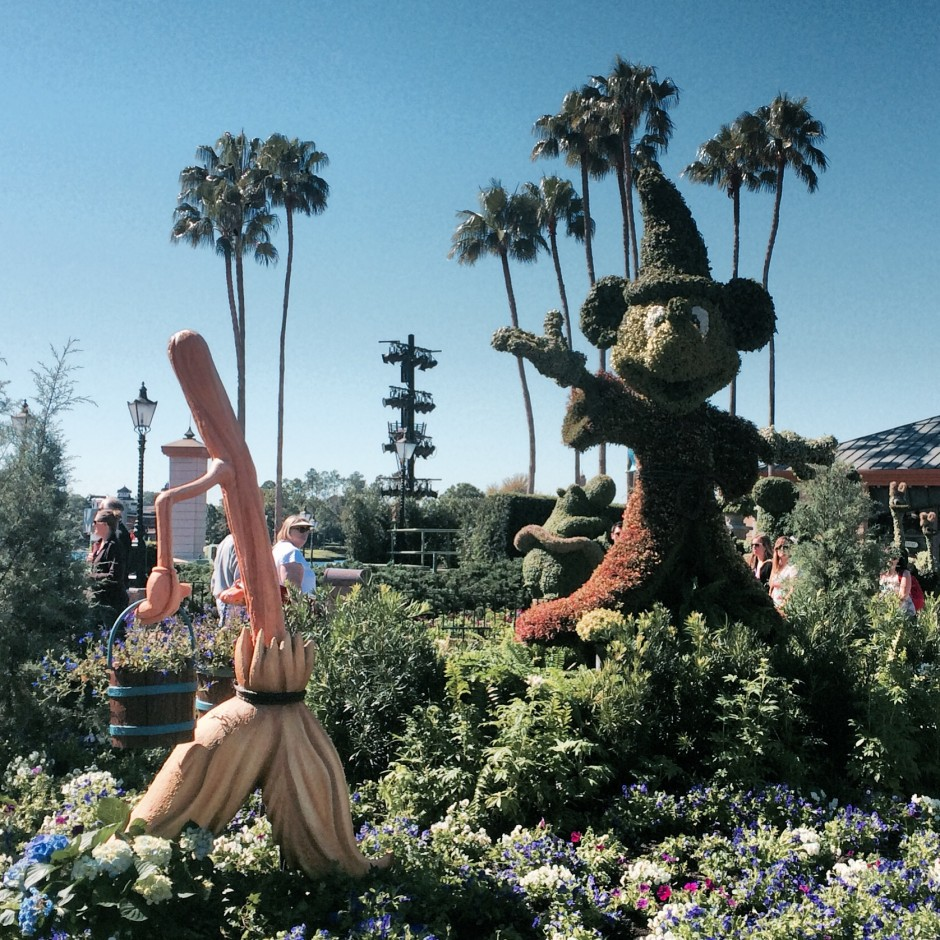 2014 epcot flower and garden festival sorcerer mickey fantasia broom topiary
