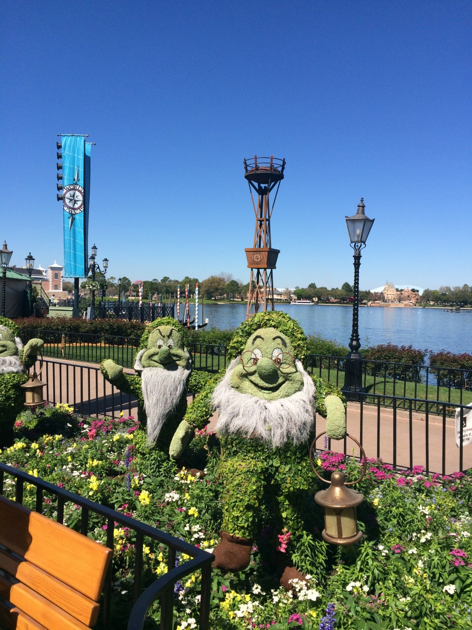 2014 epcot flower and garden festival germany dwarfs