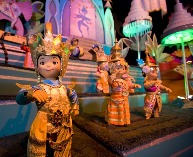 small world dolls disney