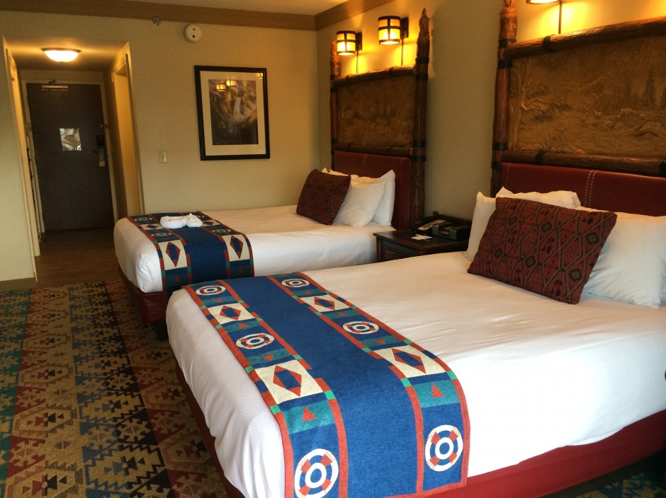 Disney wilderness lodge resort room beds