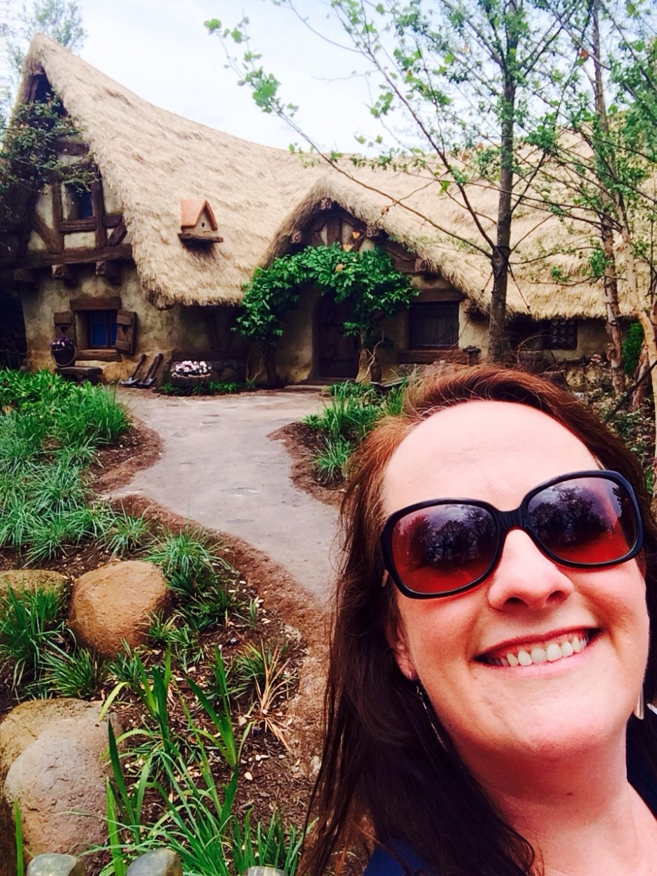 Photo Tour of the Seven Dwarfs Mine Train Queue – FastPass Side