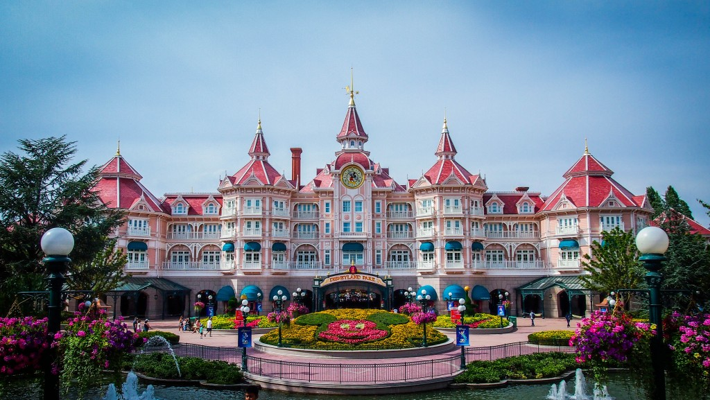 Rundisney is bringing a race to disneyland paris now for Hotels eurodisney