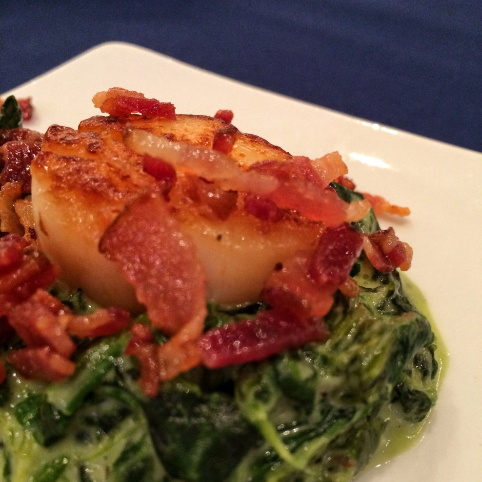 2014 Epcot International Food and Wine Festival - Seared sea scallop with spinach-cheddar gratin and crispy bacon
