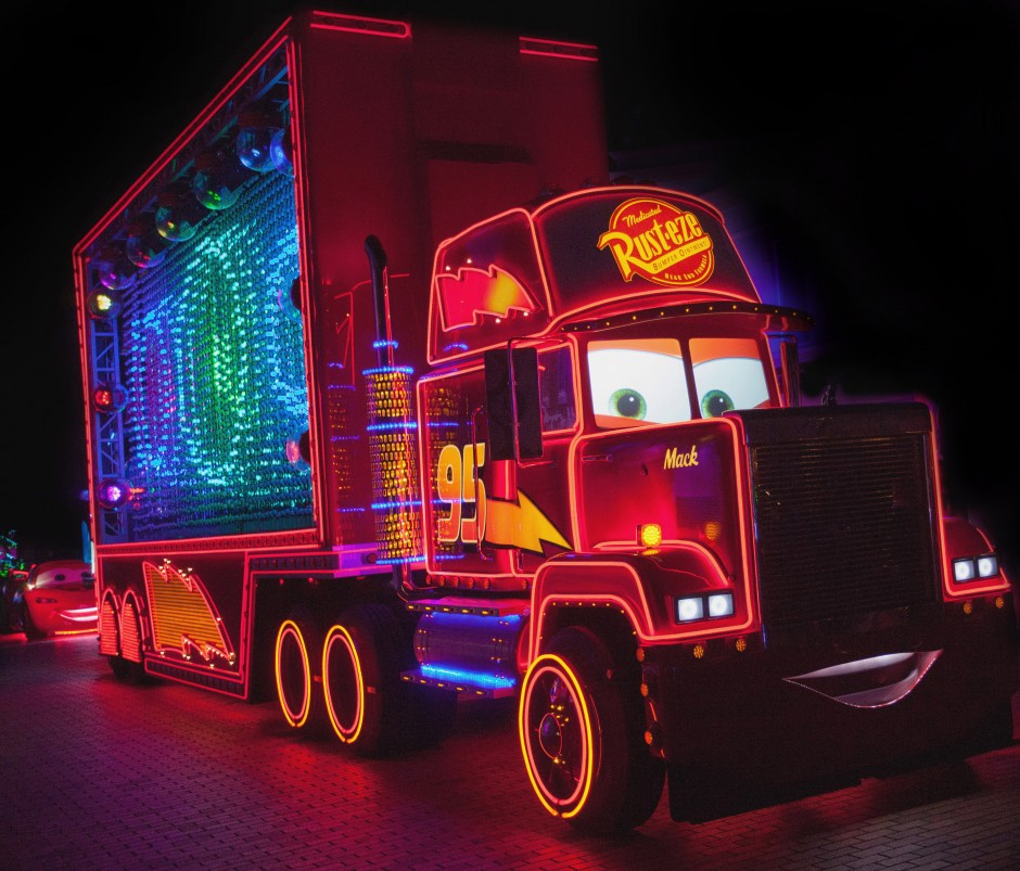 Mack-Truck-in-Paint-the-Night-Parade-Disneyland