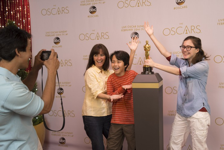 Rare Disney Opportunity – Guests Can Pose with an Authentic Oscar Statuette This Week