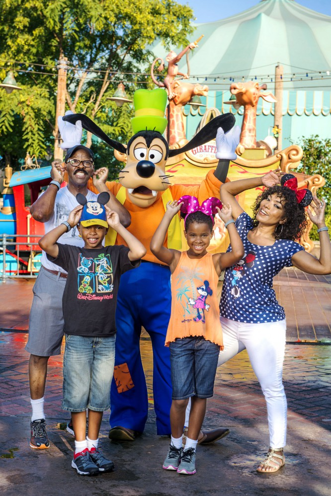 Angela Bassett and Family Spotted in the Magic Kingdom