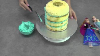 How to Make a Disney FROZEN Anna and Elsa Pinata Cake