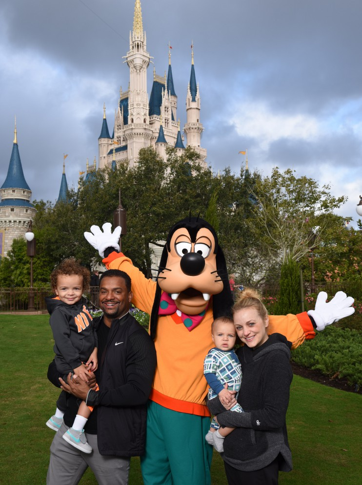 Alfonso Ribeiro visits Walt Disney World with His Wife and Kids