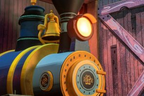 Mickey and Minnie's Runaway Railway locomotive